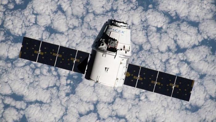 Capsula Dragon della SpaceX pronta al rientro dalla Stazione Spaziale