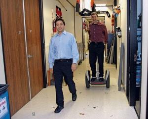 Sergey Brin e Larry Page in uno dei primi uffici di Google.