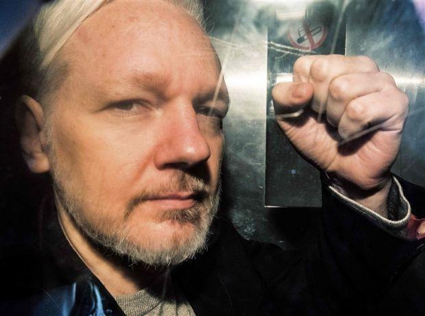 julian assange svezia accusa stupro