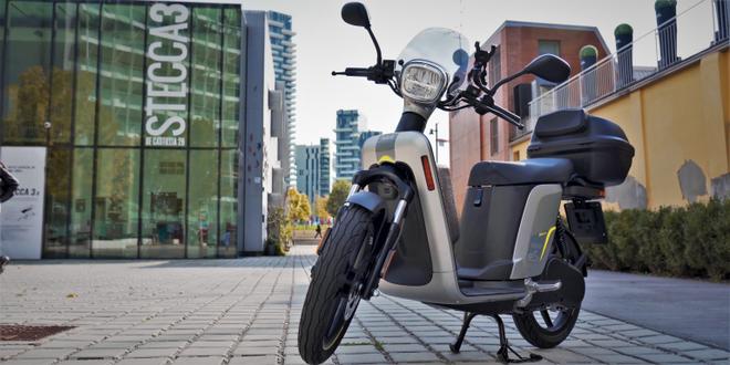 Recensione Askoll eS3 Evolution: lo scooter elettrico con 80 km d'autonomia