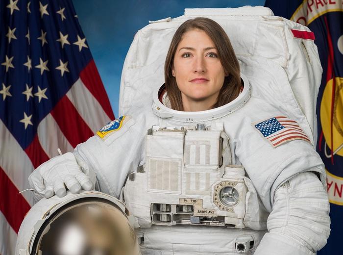 Donne nello spazio, AstroChristina conquista un nuovo record
