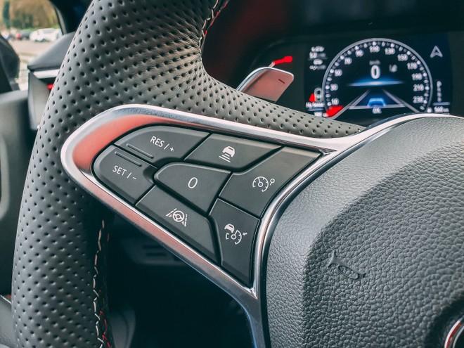 Renault Clio 5 e la guida autonoma: prova su strada degli ADAS di Livello 2