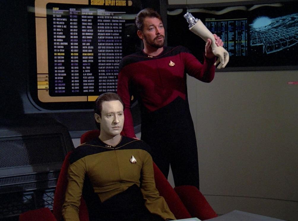1. La misura di un uomo (TNG, stagione 2 episodio 9) - Anno 2365