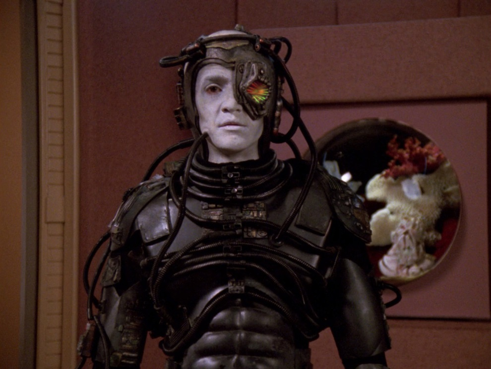 4. Io, Borg (TNG, stagione 5 episodio 23) - Anno 2369