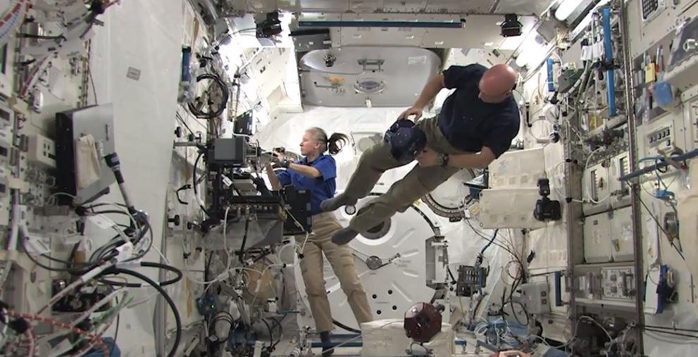 Cosa succede se passi un anno nello spazio, ma il tuo gemello resta sulla Terra