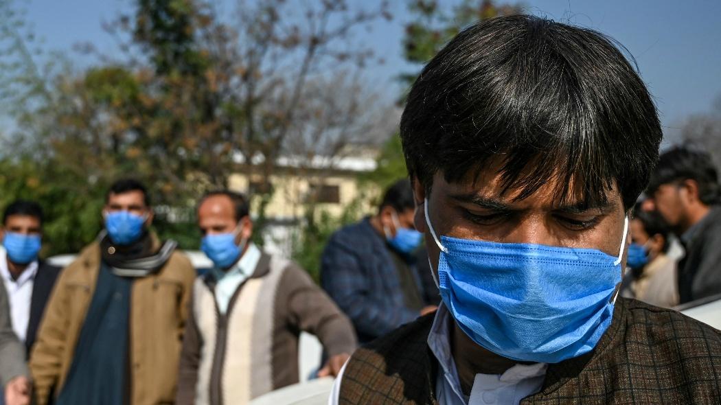L'India vuole combattere (assurdamente) il coronavirus con l'omeopatia
