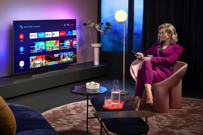 Philips, ufficiali i nuovi TV OLED 805 e 855 con AI e Ambilight | VIDEO