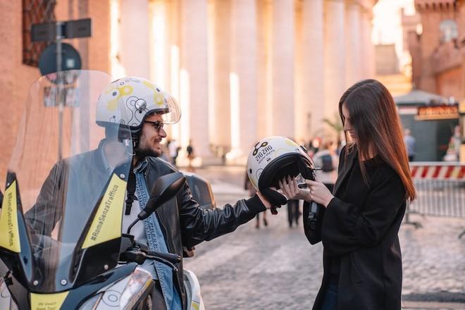 Zig Zag Milano e Roma: guida scooter sharing, come funziona e prezzi