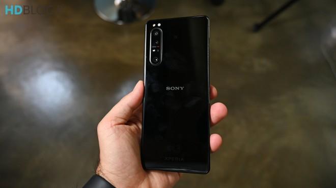 Recensione Sony Xperia 1 II: tra eccellenze e black out