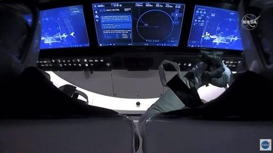 SpaceX Crew Dragon, inizia il rientro sulla Terra: arrivo previsto alle 20:48