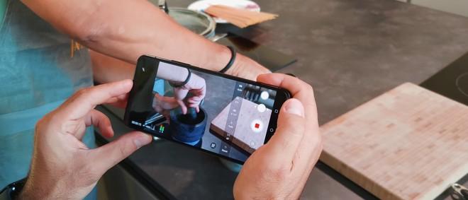 Abbiamo messo alla prova la Flip camera di Zenfone 7 Pro e questo è il risultato | Video