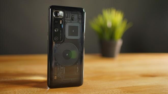 Ho provato Xiaomi Mi 10 Ultra: trasparente, sexy e ricarica da record a 120W