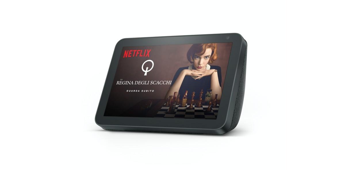 Netflix a portata di Alexa: la piattaforma streaming arriva su Amazon Echo Show