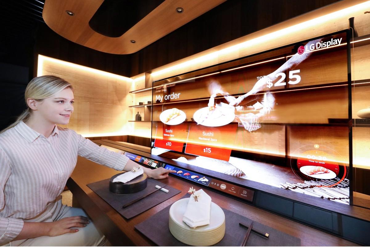 """OLED trasparenti: LG mostrerà il letto """"smart"""" e altre applicazioni al CES 2021"""
