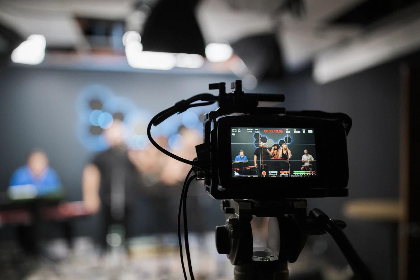 Streaming online: cos'è, come funziona e quali piattaforme lo utilizzano meglio