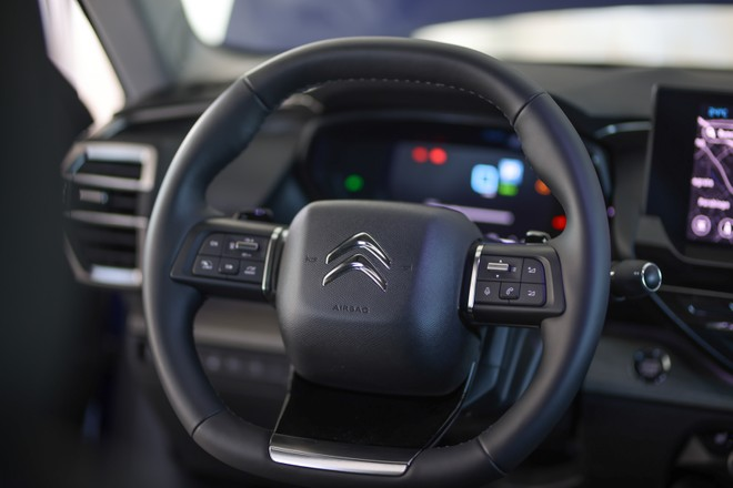 Citroen C5 X: ibrida Plug-In e benzina, addio diesel