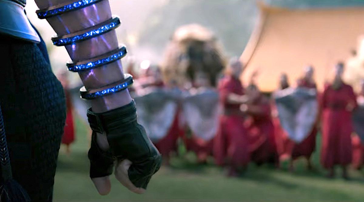 Shang-Chi e la leggenda dei dieci anelli non sembra un film Marvel (e non è un bene)