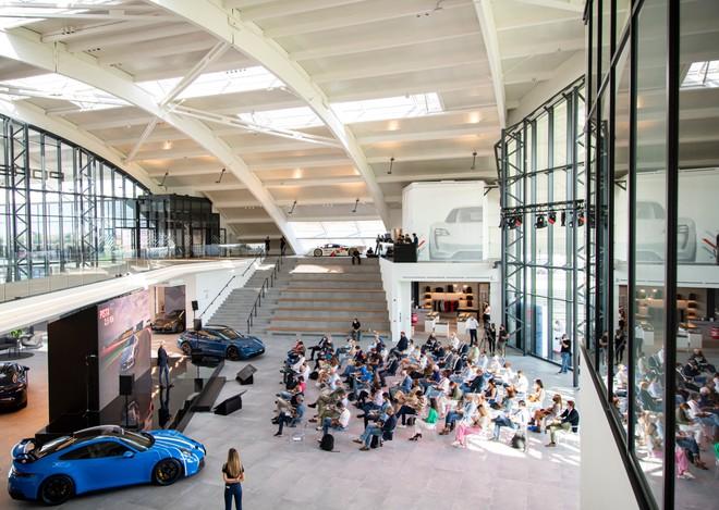 Porsche Experience Center a Franciacorta: ecco il parco giochi che ci piace | Video
