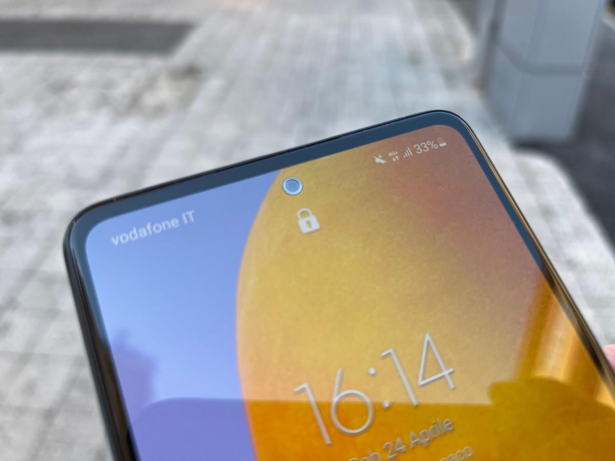 Galaxy A73, lo schermo OLED potrebbe non essere Samsung ma venire dalla Cina