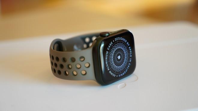 Recensione Apple Watch 7: lo schermo si allarga, la ricarica si restringe
